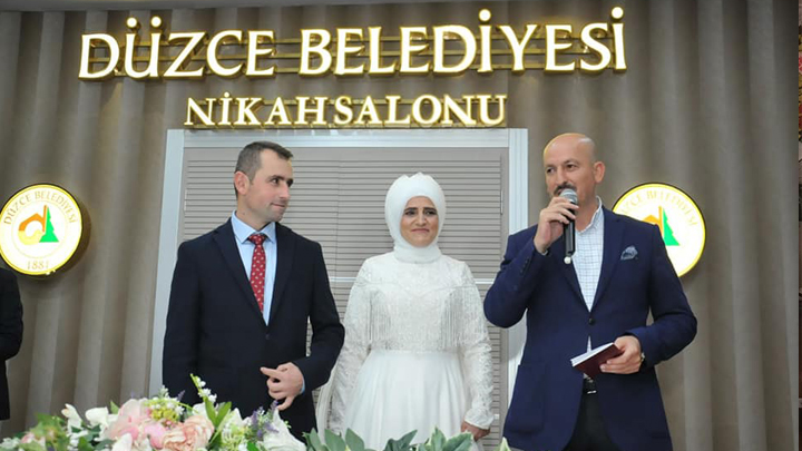 Beratiye Sağlam ile Nuri Ercan çiftinin nikah merasimine katıldık