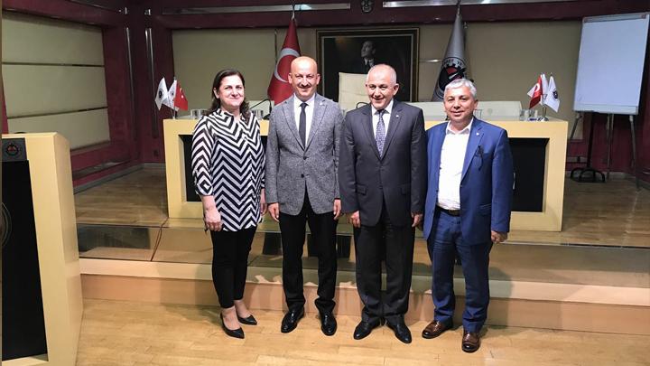 Ticaret Odası Başkanlığına seçilen Tuncay ŞAHİN'i makamında ziyaret ettik