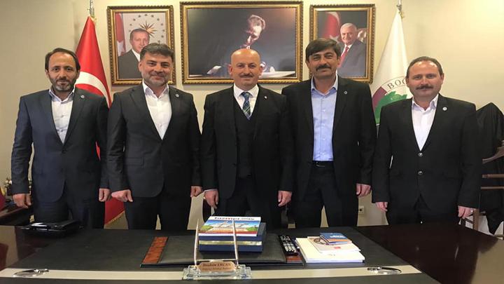 Hizmet-İş Sendikası Sakarya Şube Başkanı Mehmet Mesut Gökdemir ve ekibinin tebrik ziyareti