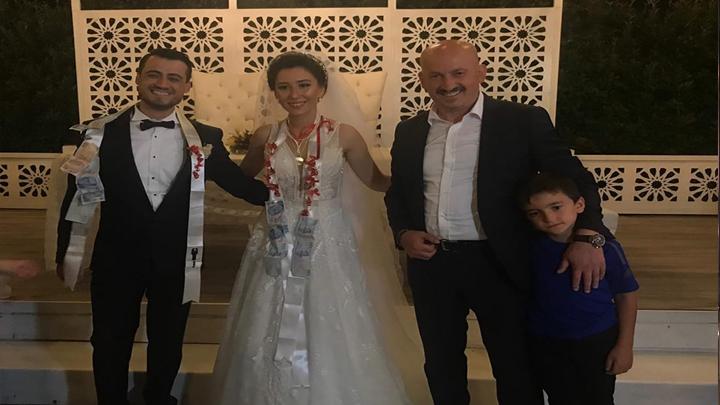 Ayçanur Sertoğlu ile Yunus Parlak'ın düğün merasimine katıldık
