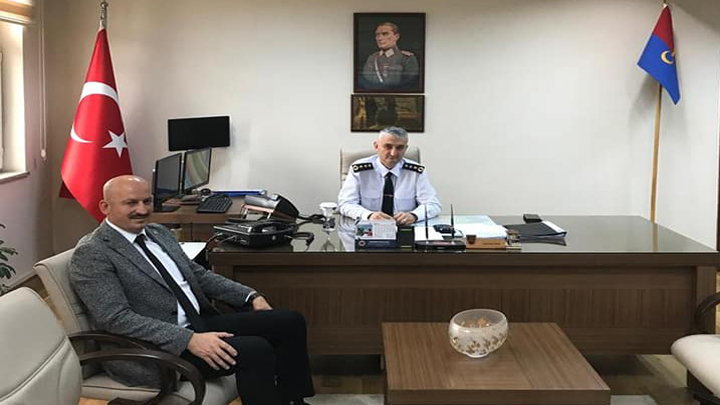 Düzce İl Jandarma Komutanı J.Kd.Albay Mustafa Çetinkaya'yı makamında ziyaret ettik