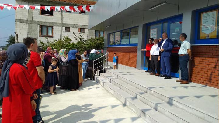 Yeşilköy mahallesinde zincir mağaza şubesinin açılışına katıldık