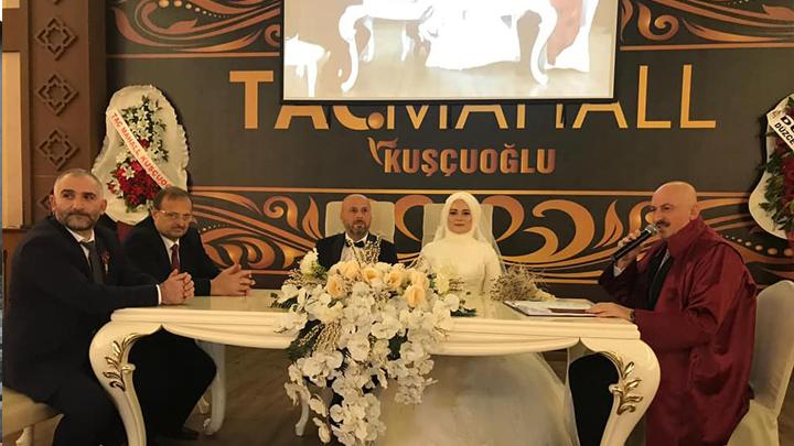 Nuri Ercan ile Sibel Sert çiftinin nikah akdini gerçekleştirdik.