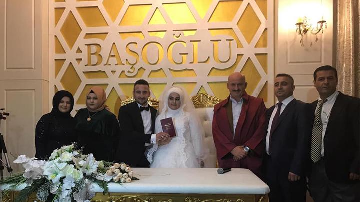 Esra Kayıkçı ile İsmail Demir çiftinin nikah akdini gerçekleştirdik