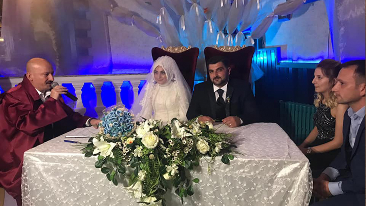 Yusuf Yılmaz ile Nergis Ermiş'in nikah akdini gerçekleştirdik.