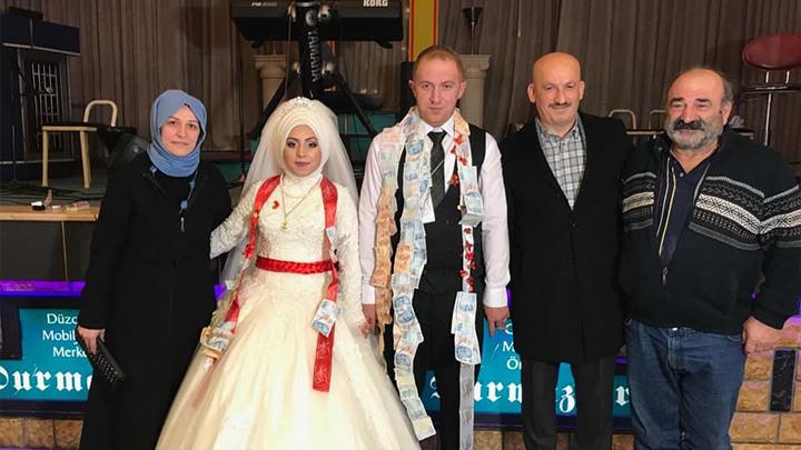 Emine İşgören ile Necmi Şimşek çiftinin düğün merasimine katıldık