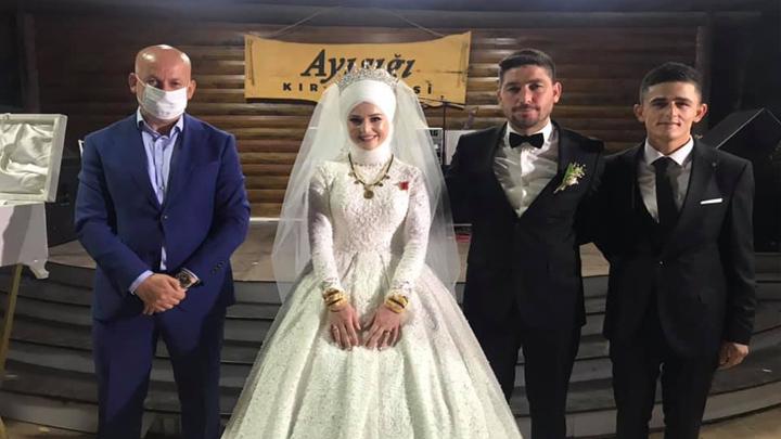 Sevda Küçükusta ile Onur Yılmaz?ın düğün merasimine katıldık