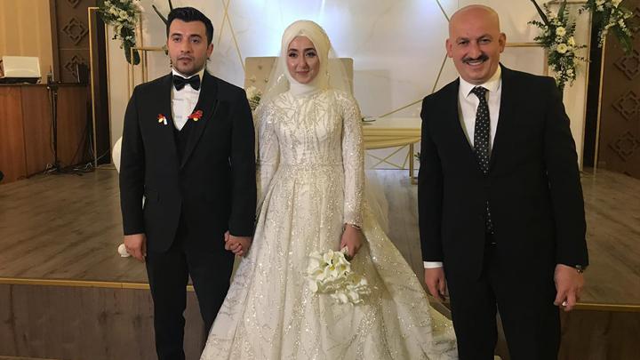 Hülya Kaşıkoğlu ile İzzet Özbey'in düğün merasimine katıldık.