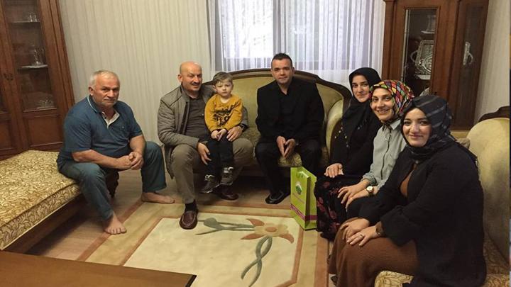 SEZGİN Ailesinin çocukları Muhammet Umut'u evinde ziyaret